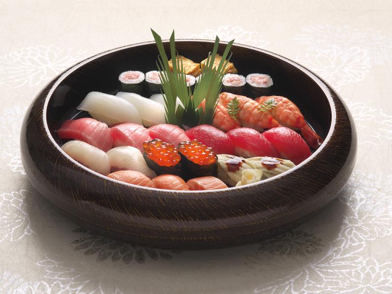 握り寿司3人盛り